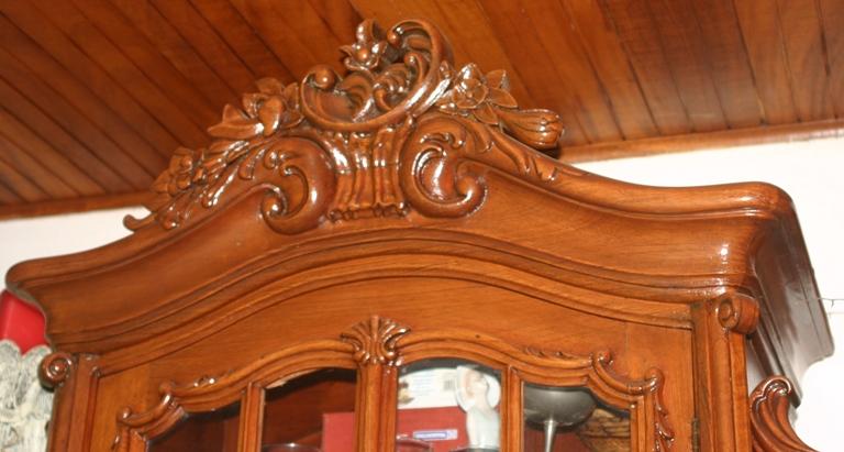 Muebles tallados a mano hand carved furniture juegos for Muebles tallados en madera