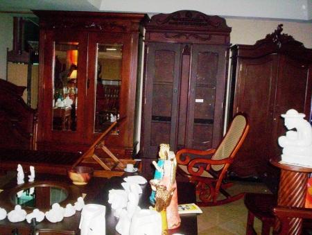 Juegos de sala a medida muebles de nicaragua for Mueble castellano restaurado